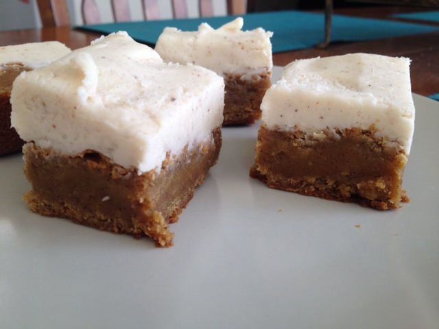 pumpkin blondies with brown butter buttercream